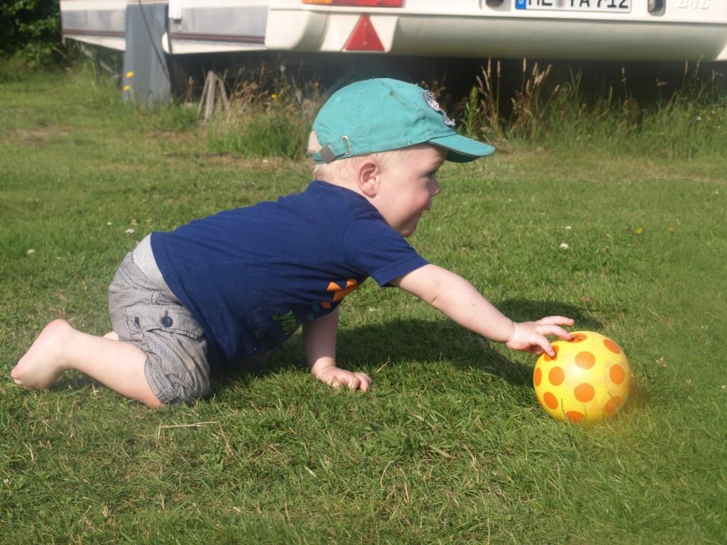 KAMPEERTIPS KINDEREN  Kamperen met baby. Wel of niet doen? + tips