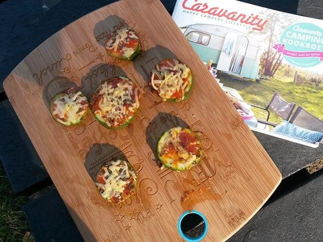 Camping recepten Koken op de camping  Geen macaroni met smac, maar camembertfondue van Caravanity!