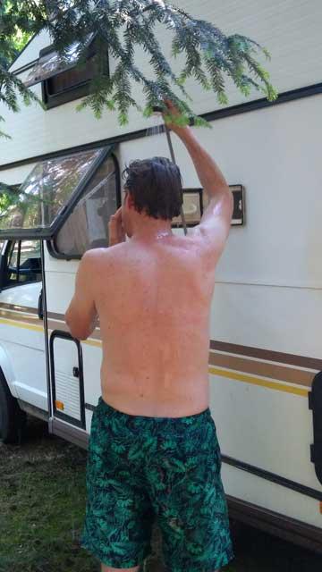 KAMPEERPRAAT  Camper huren met een personal touch