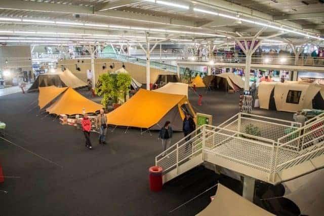 KAMPEERTIPS UITRUSTING  110 Kampeerwinkels, alle kampeerwinkels van Nederland op één kaart
