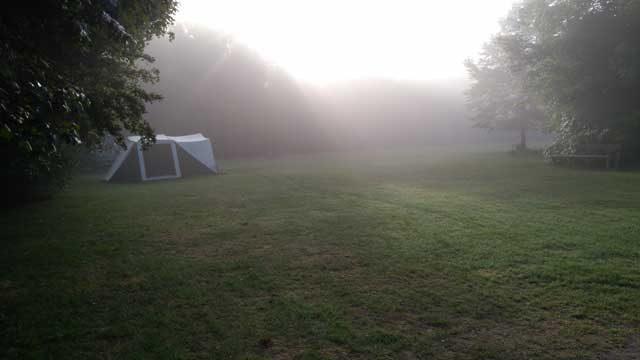 KLEINE CAMPINGS IN DE NATUUR KLEINE CAMPINGS NEDERLAND  Campingtip: De Veenkuil in het Kuinderbos, prachtcamping