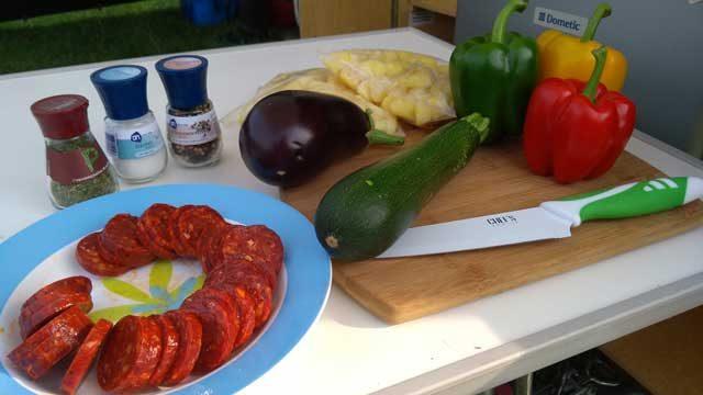 CAMPING RECEPTEN KAMPEERPRAAT  Paella Braai recept: Provençaalse lading groenten van Esther