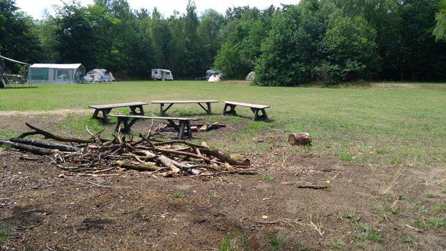 KLEINE CAMPINGS IN DE NATUUR KLEINE CAMPINGS NEDERLAND  Campingtip: Natuurkampeerterrein Wega, het andere Limburg waar je je niet verveelt