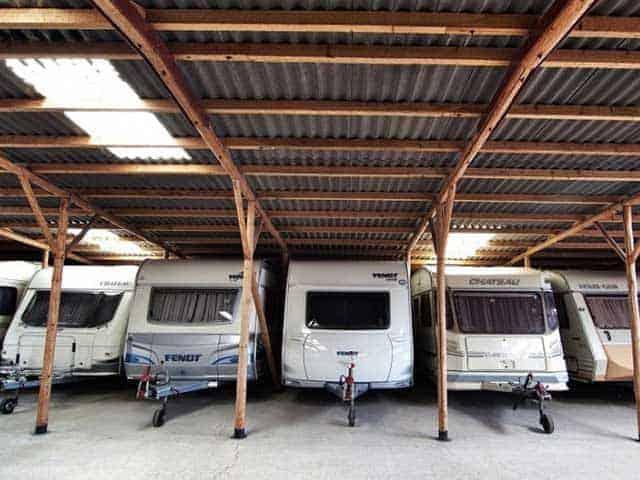 Caravan of camper naar de stalling? Check deze 19 caravanstalling tips