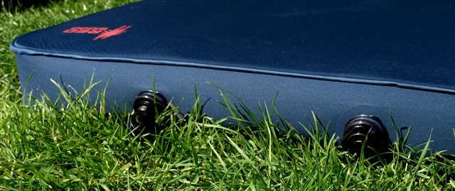 SLAPEN OP DE CAMPING  Review: Slaapmat Redwood Stretch Limousine 10