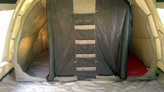KAMPEERTIPS UITRUSTING  Review: Tunneltent Redwood Birch 4 TC, een stevige gezinstent