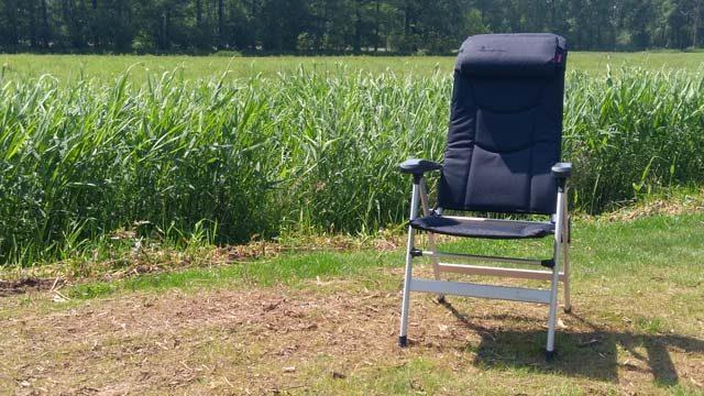 Kampeermeubelen  Campingstoelen Test: Welke kampeerstoel zit nou het beste?