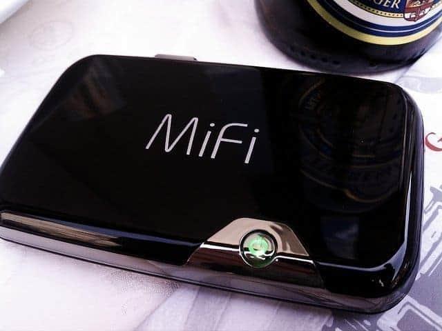 KAMPEERPRAAT KAMPEERTIPS UITRUSTING  WiFi, mifi of hotspot op de camping? Wat werkt voor snel internet?