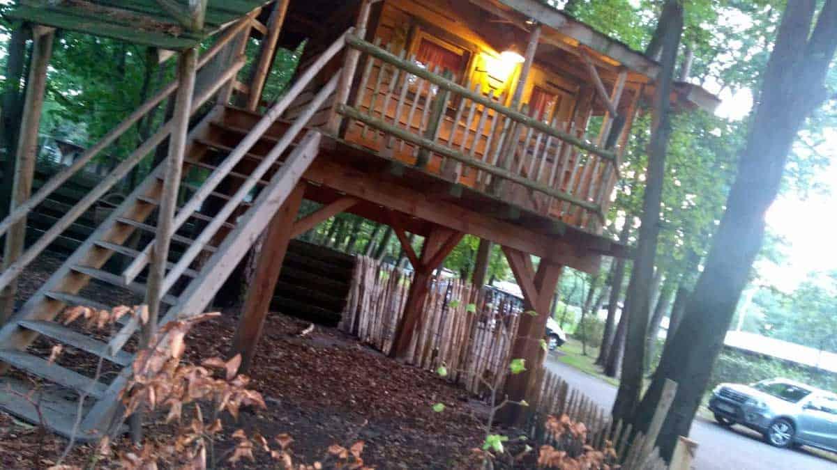 Glamping review: Slapen in een boomhut dat wil ieder kind!
