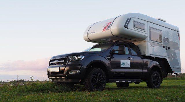 KAMPEERPRAAT  Een pickup camper huren in Nederland? Robin en Ellen gaan ze verhuren!