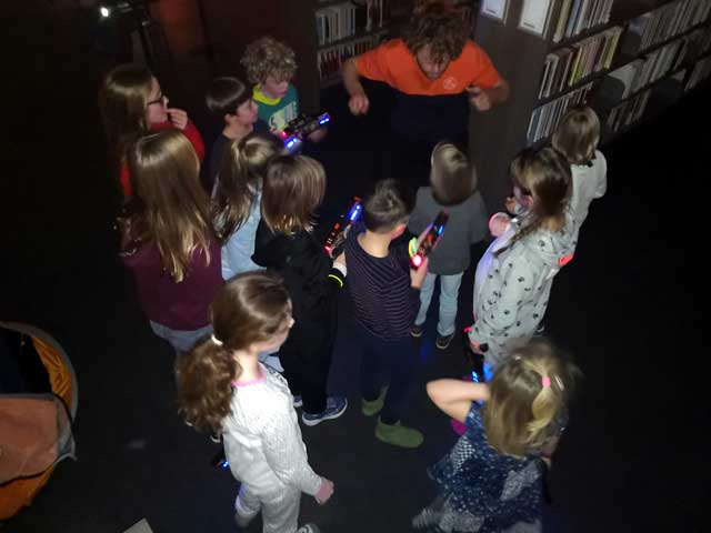 KAMPEERPRAAT  Night at the Library, ja echt kamperen in de bieb en het was gaaf!