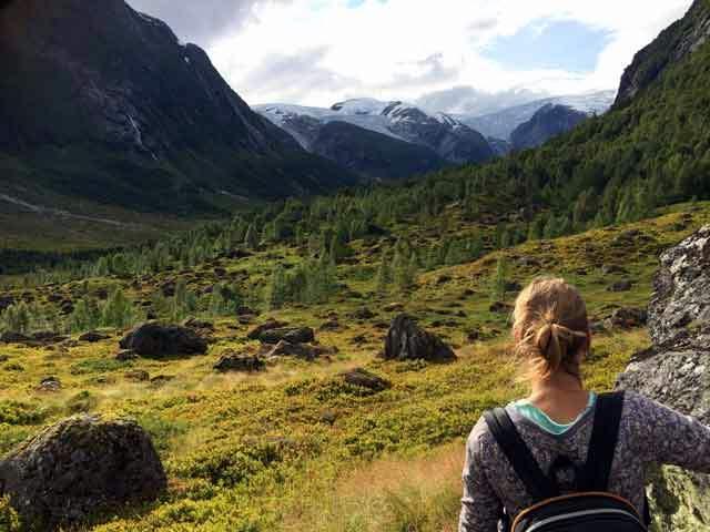KLEINE CAMPINGS SCANDINAVIE  Campingtip Noorwegen: camping Eplet kamperen tussen de fruitbomen in Solvorn