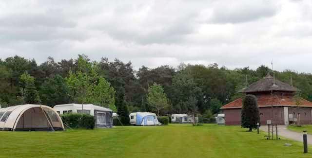 KLEINE CAMPINGS NEDERLAND  Camping Bovenberg, echte familiecamping in glooiend Twente