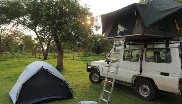 HANDIGE KAMPEERTIPS KLEINE CAMPINGS IN DE NATUUR  Zelf kamperen in Oeganda tijdens een rondreis. Kan dat?