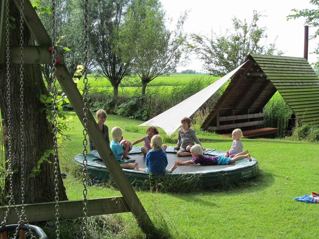 15.b Camping kinderen trampoline Friesland