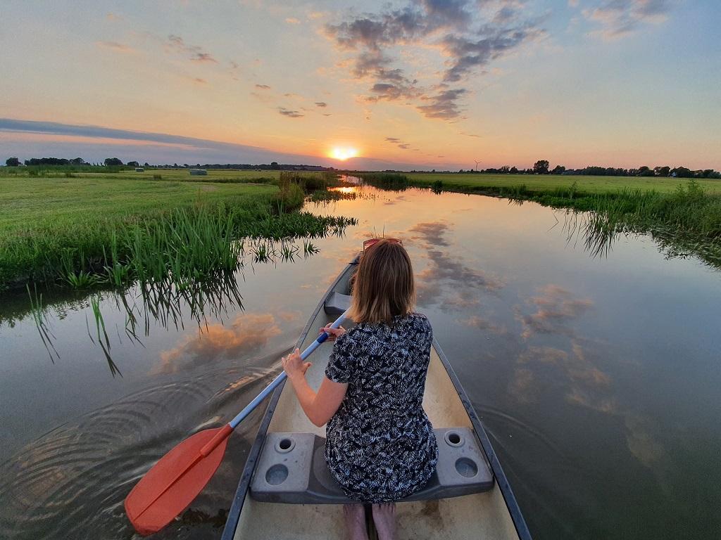 28.a Camping Friesland kano zonsondergang