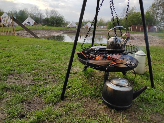 Wafels bakken op open vuur